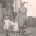 Natalia, bratowa Wanda i jej dzieci: Andrzejek i Anula. Archiwum rodzinne