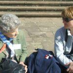 Maria Niedzielska-Grabcowa 'Misia' i Natalia Tułasiewicz-Wala podczas uroczystości upamiętniającej oswobodzenie obozu w Ravensbrück w 2010 r.