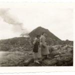 Natalia z siostrą Zofią pod Wezuwiuszem